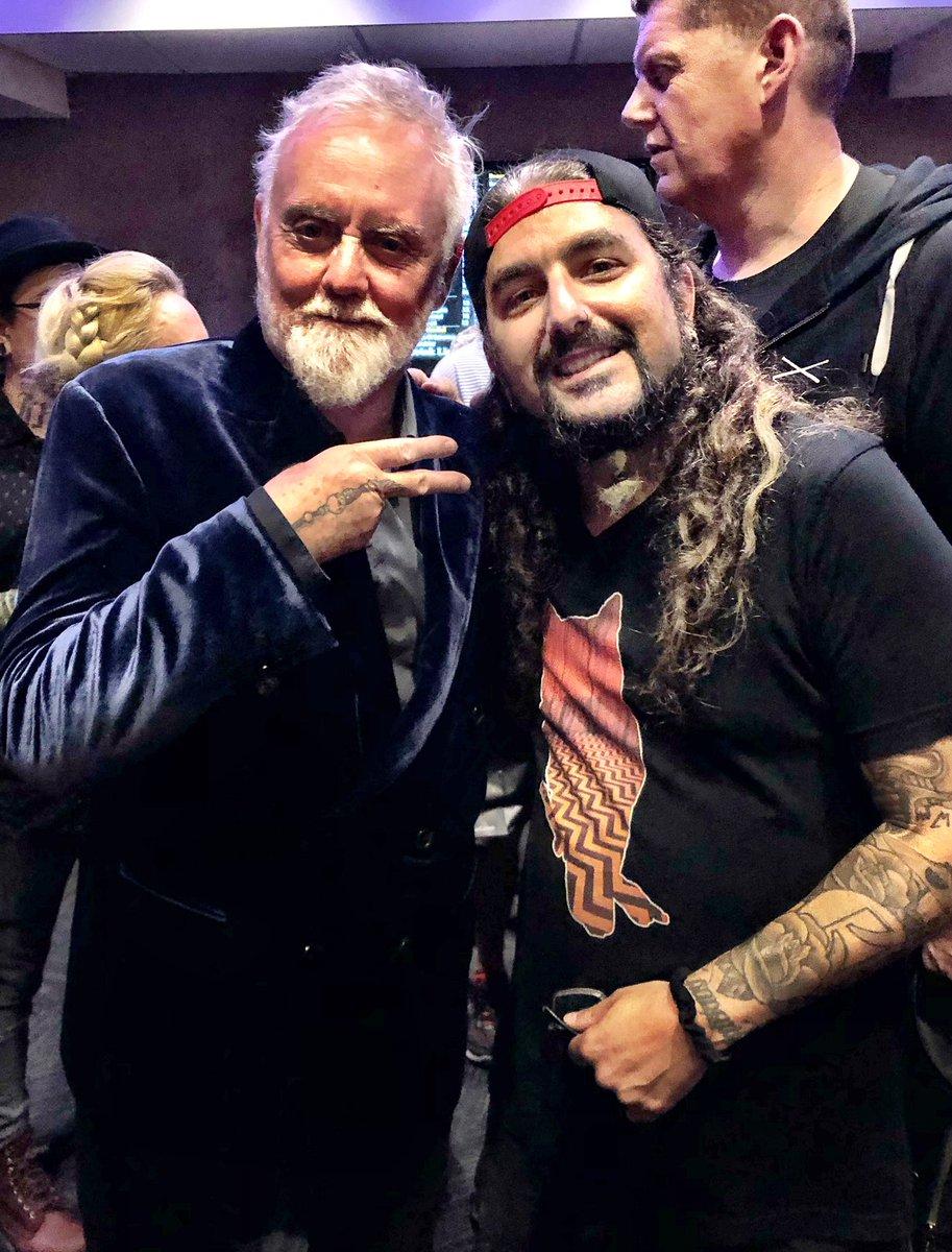 Dream Theater - Página 3 Roger_11