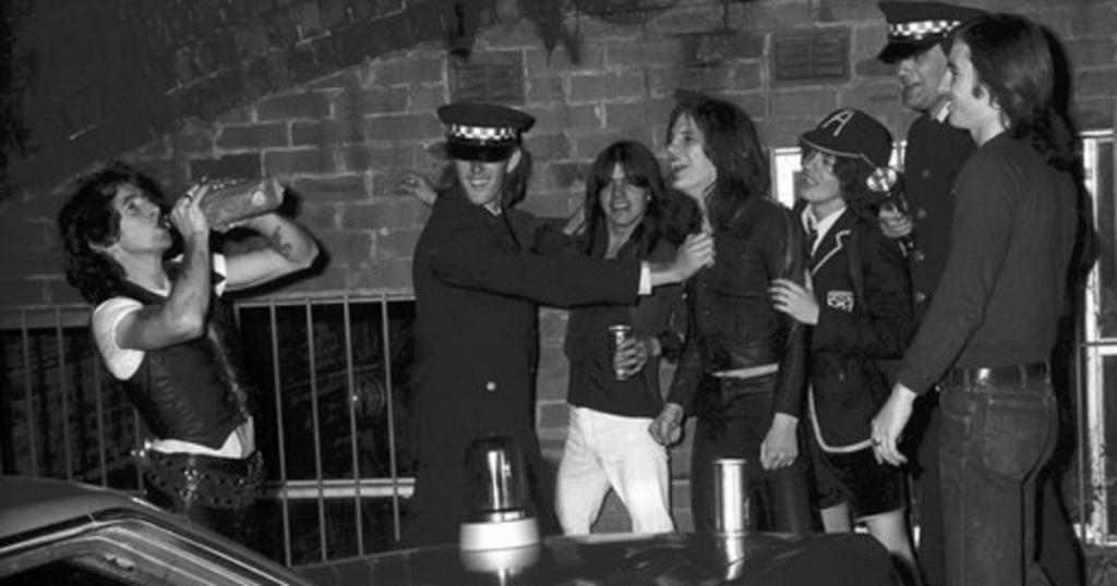 NO FELIPING: los discos de AC/DC de peor a mejor - Página 4 Rs-95210