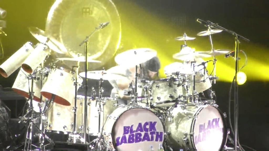 Black Sabbath 50: Legado - Página 18 Tommy19