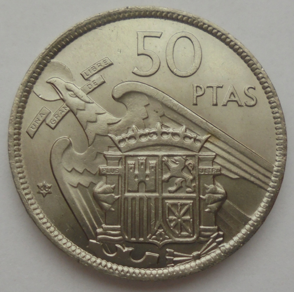50 pesetas 1957 (*68). Estado Español. Troquelada Dsc08011