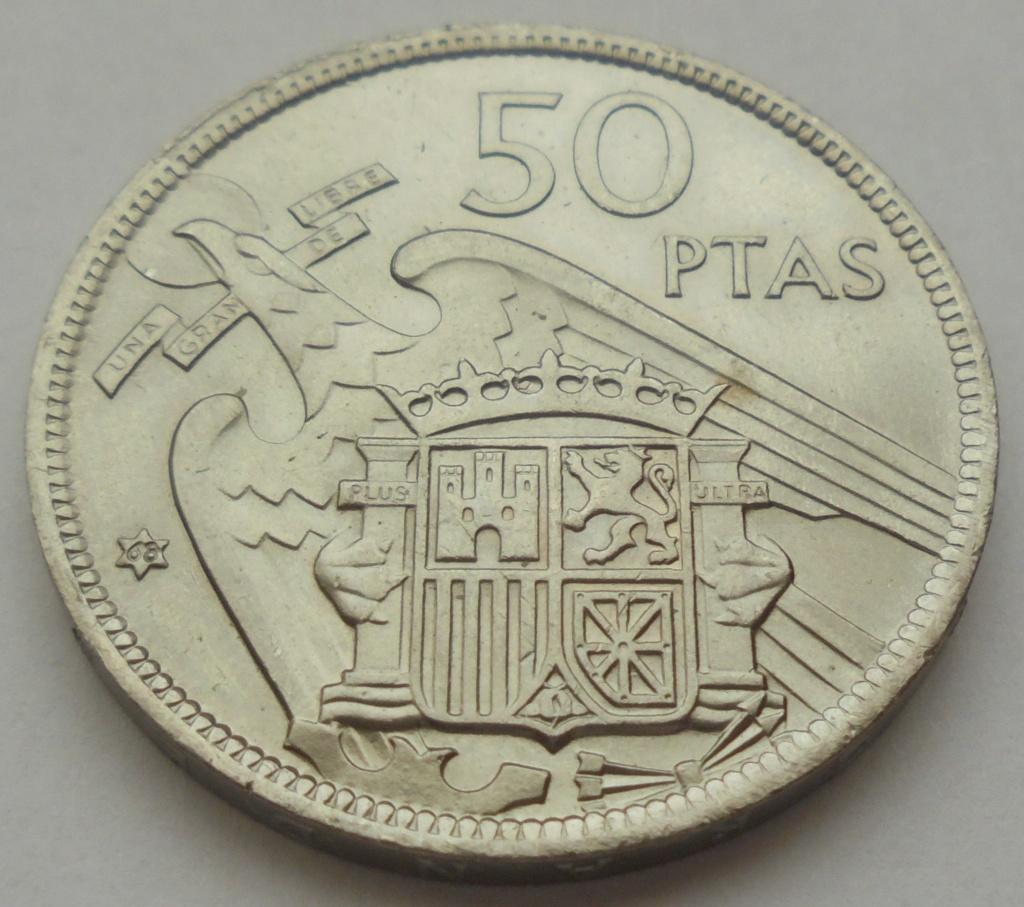 50 pesetas 1957 (*68). Estado Español. Troquelada Dsc08013