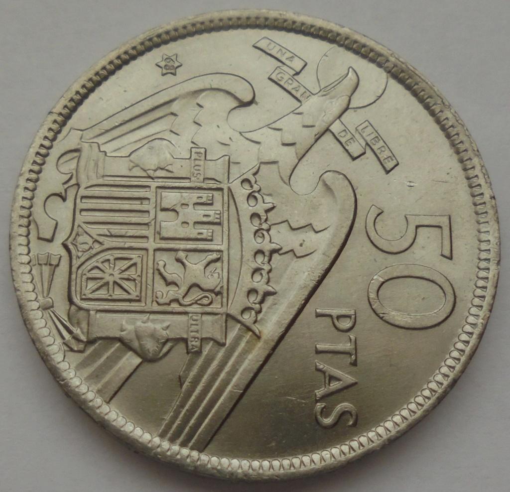 50 pesetas 1957 (*68). Estado Español. Troquelada Dsc08015