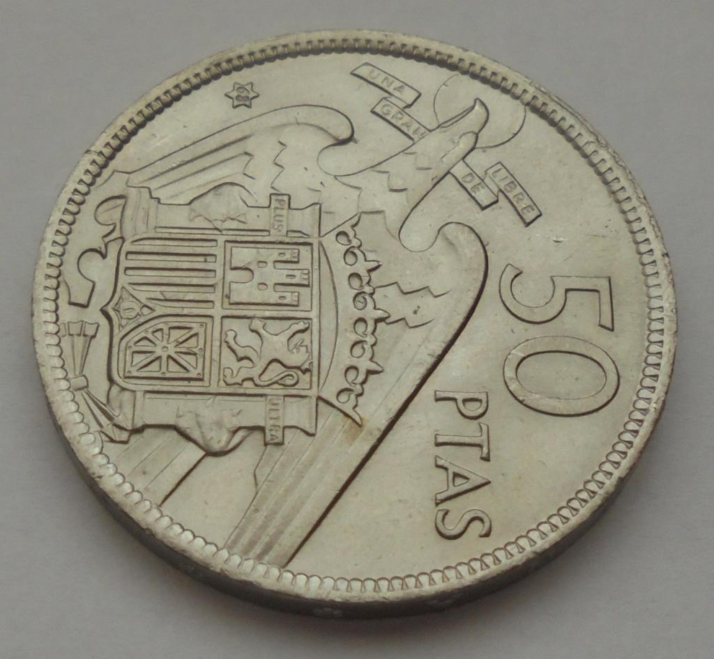 50 pesetas 1957 (*68). Estado Español. Troquelada Dsc08016