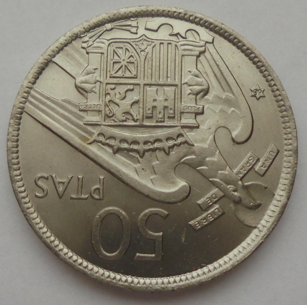 50 pesetas 1957 (*68). Estado Español. Troquelada Dsc08017