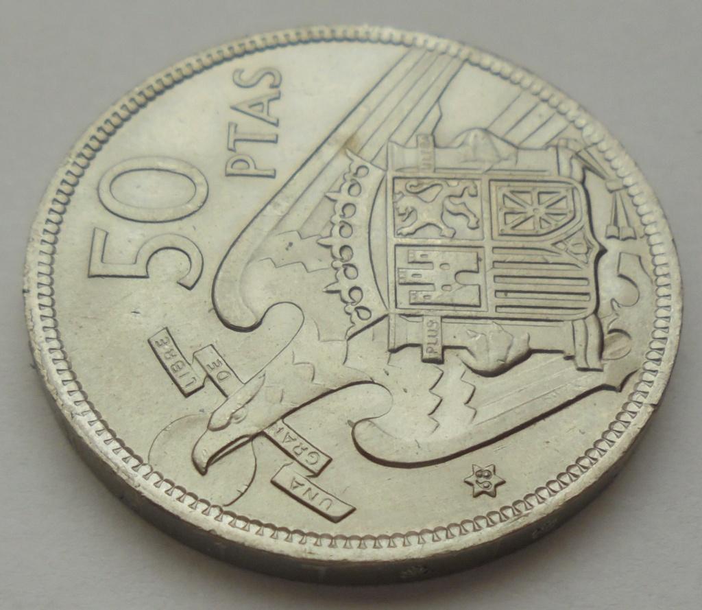 50 pesetas 1957 (*68). Estado Español. Troquelada Dsc08019