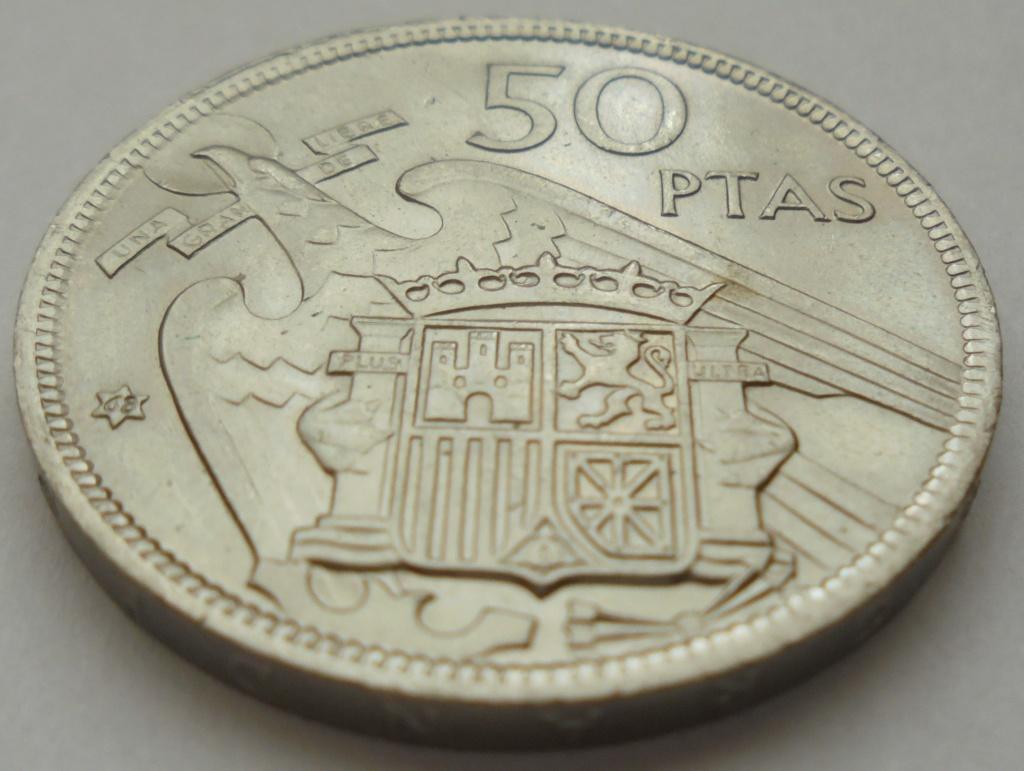 50 pesetas 1957 (*68). Estado Español. Troquelada Dsc08020