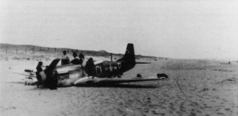 Quizz aéronautique  de l'été  - Page 2 P-51d_11