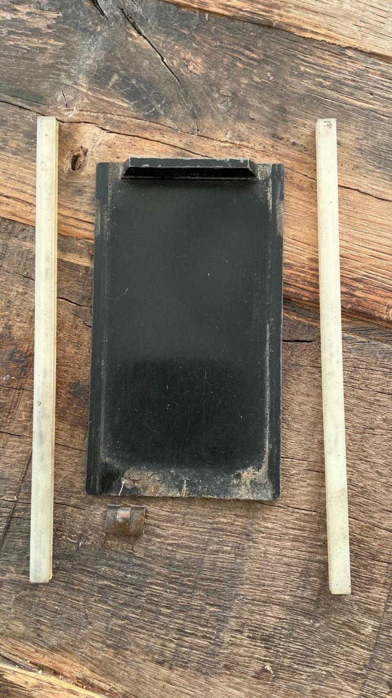 Trappe cendrier qui ne tient pas fermée Cend110