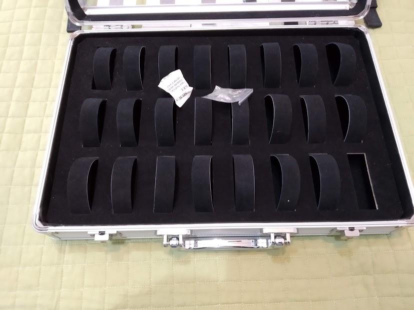 [Vendido] 24 braceletes (Nato, seatbelt, pele, metal, mesh, borracha, etc.) c/ oferta de mala p/ 24 relógios Img_2053