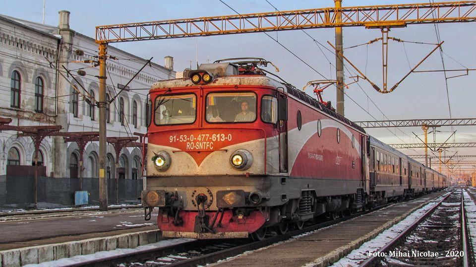 Locomotive clasa 47(476/477) aparţinând CFR Călători  - Pagina 45 61311