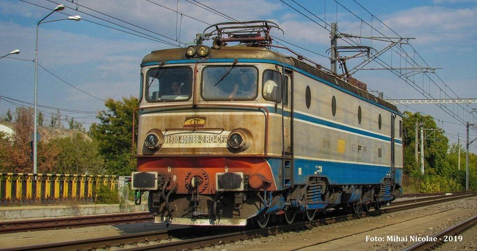 Locomotive clasa 400 - Pagina 6 78810