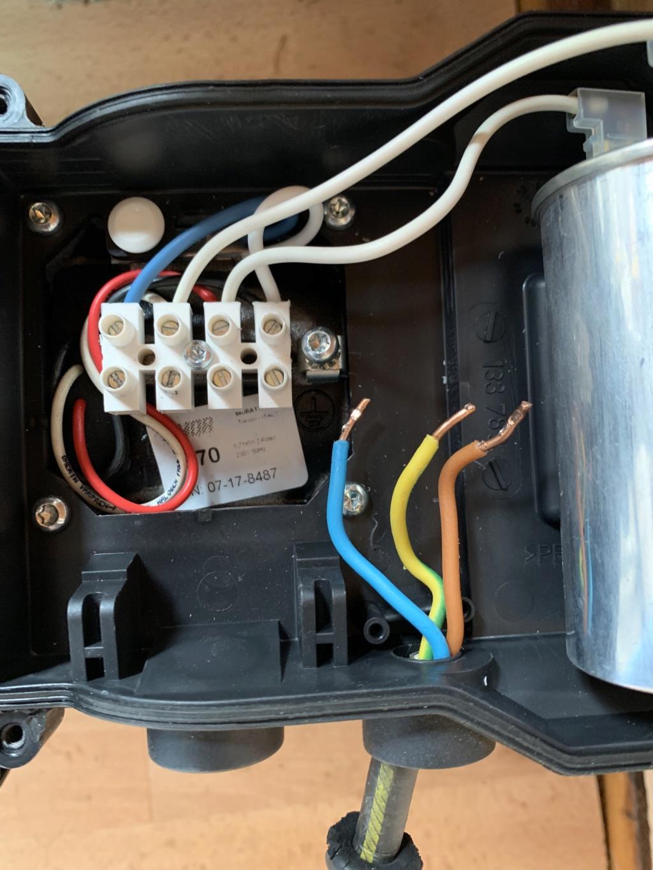Branchements électriques Pompe P75-1 Img_6111