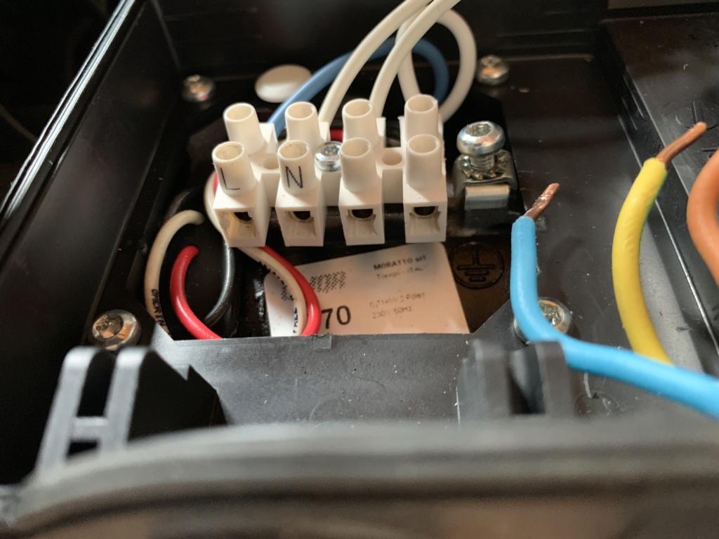Branchements électriques Pompe P75-1 Img_6112