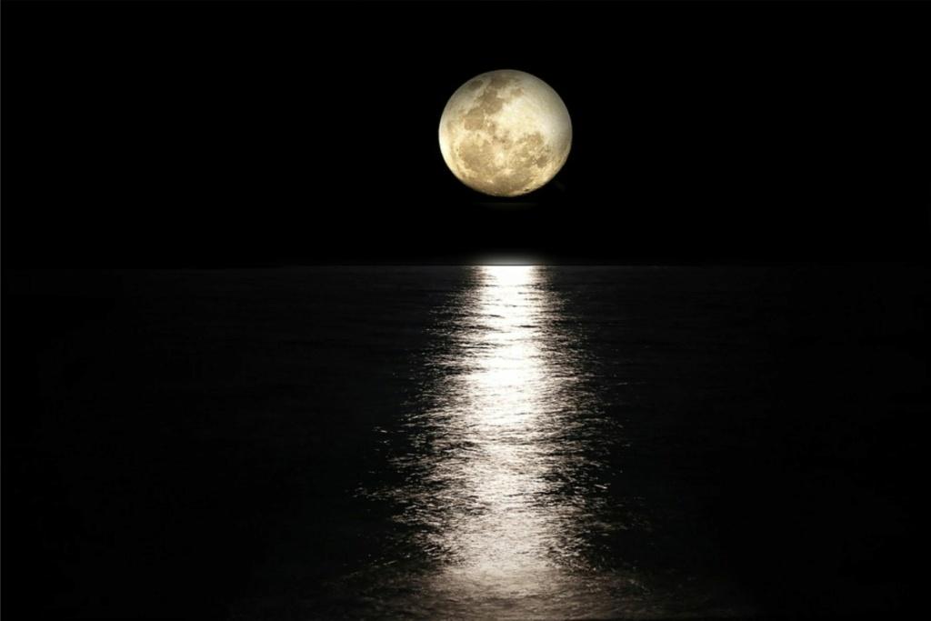 Eclairage lunaire Abeb9310