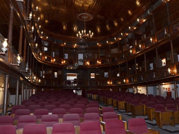 Introdução / ambientação - Página 2 Teatro10