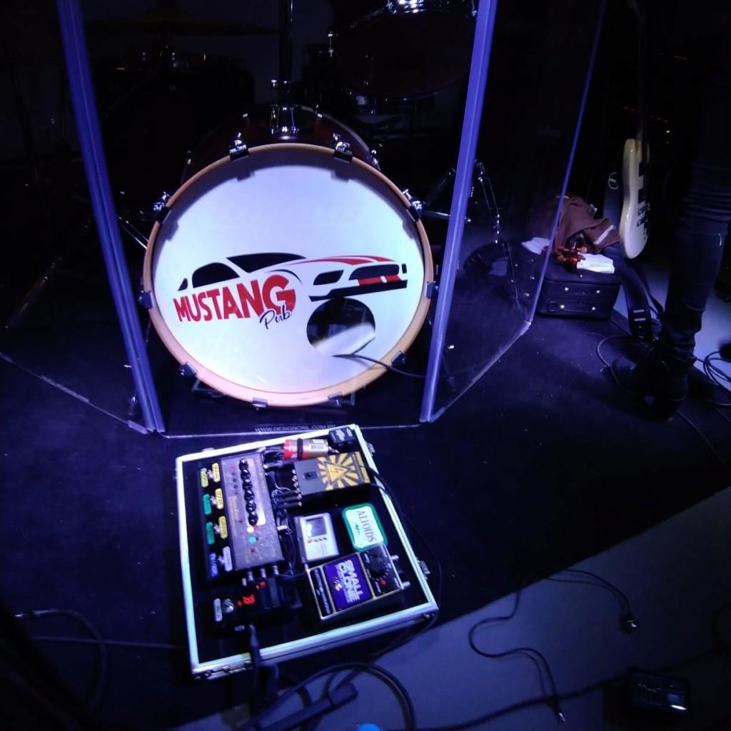Amplificador para tocar em banda de Rock Clássico (mas equalizando só no SansAmp) Whatsa15