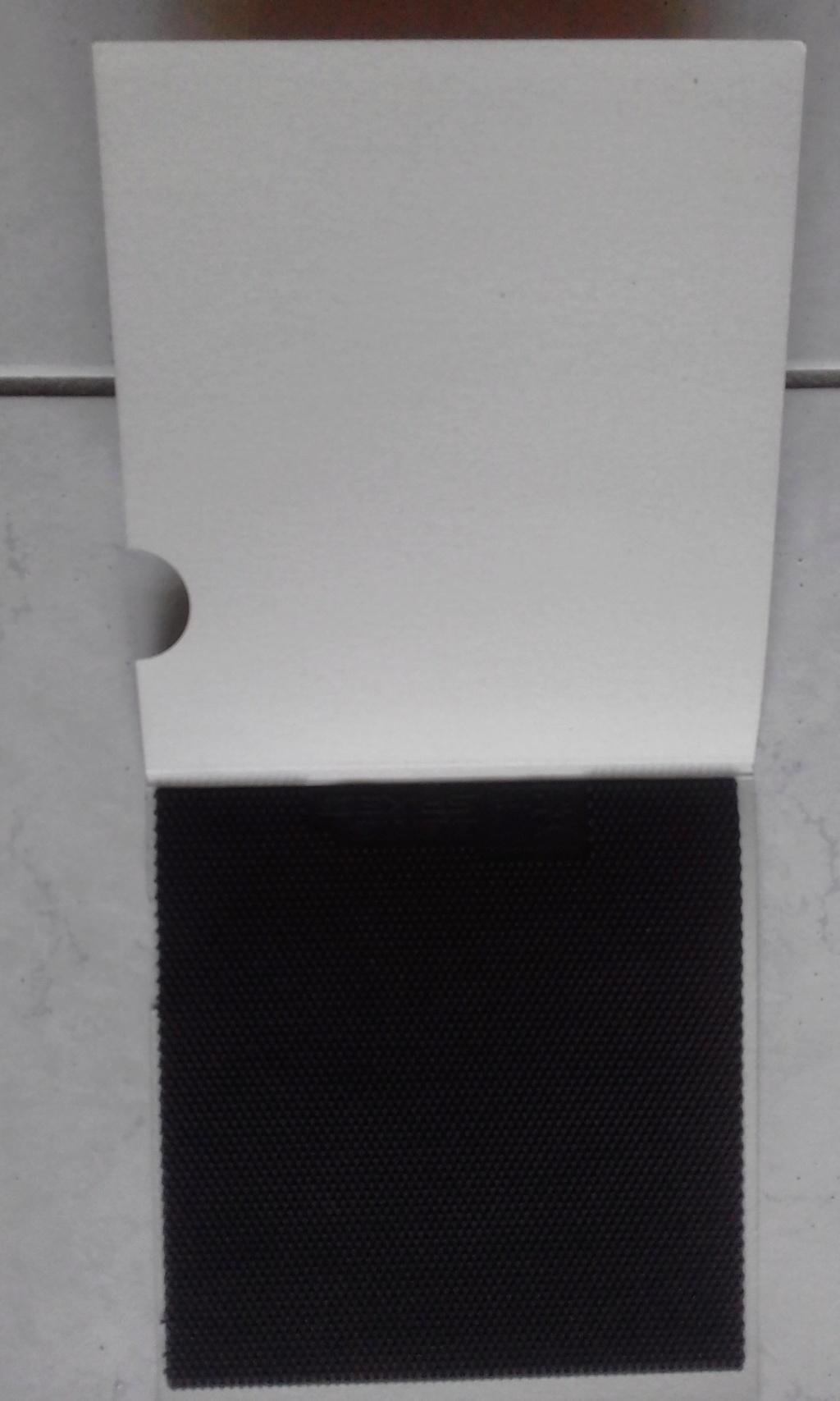 A vendre: Donic Spike P2 en 0X Noir NEUF (Pas Découpé) 210