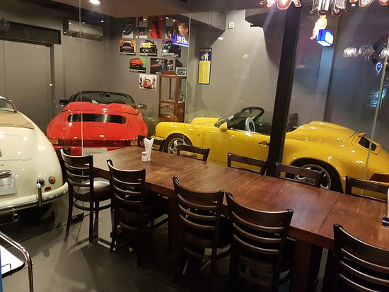 "Bienvenue au ""Bar garage"" Anothe10"