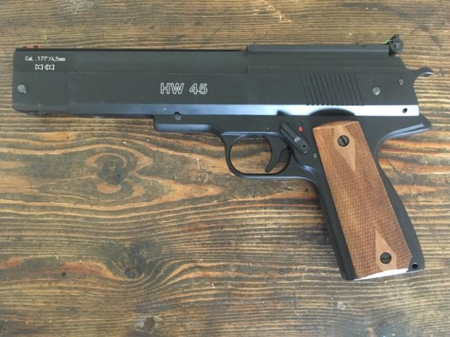 Poignée ergonomique pour HW45 / Colt 1911 Img_6913