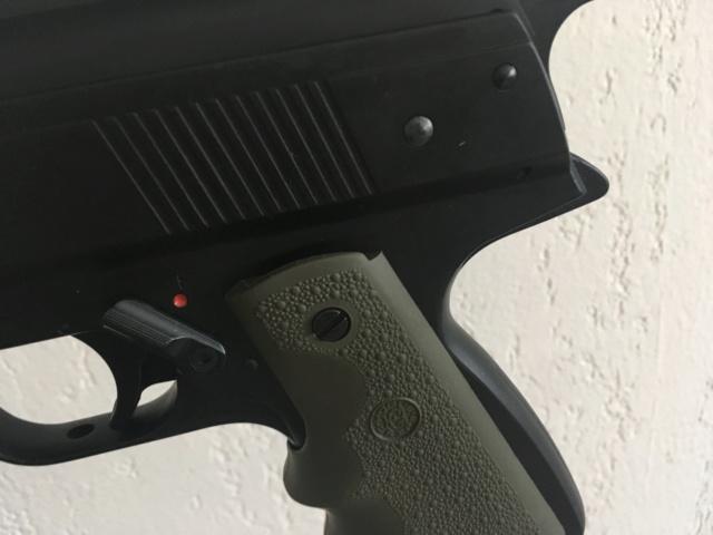 Poignée ergonomique pour HW45 / Colt 1911 Img_6925