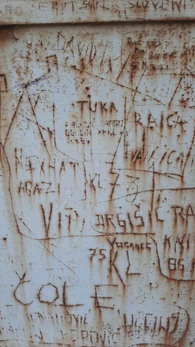 MUZIL SLIKE DANAS - Page 2 Img-f611