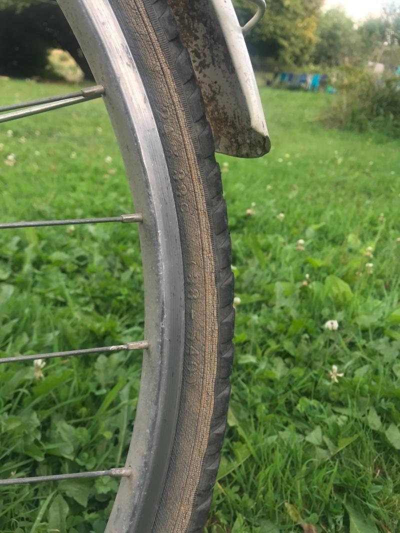 Cherche pneus 24x38c (38-540) Img_0010