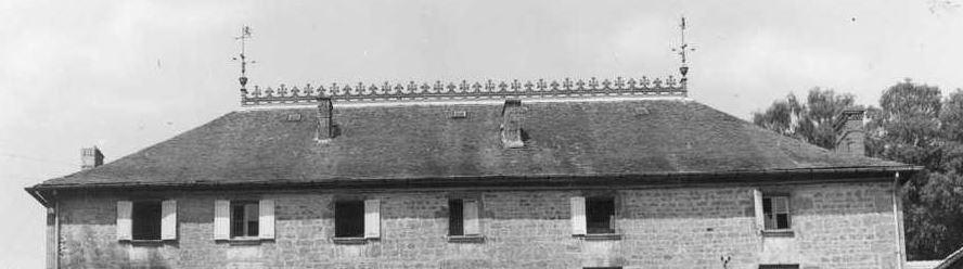 le lion qui se trouve sur le toit du manoir Toilio10