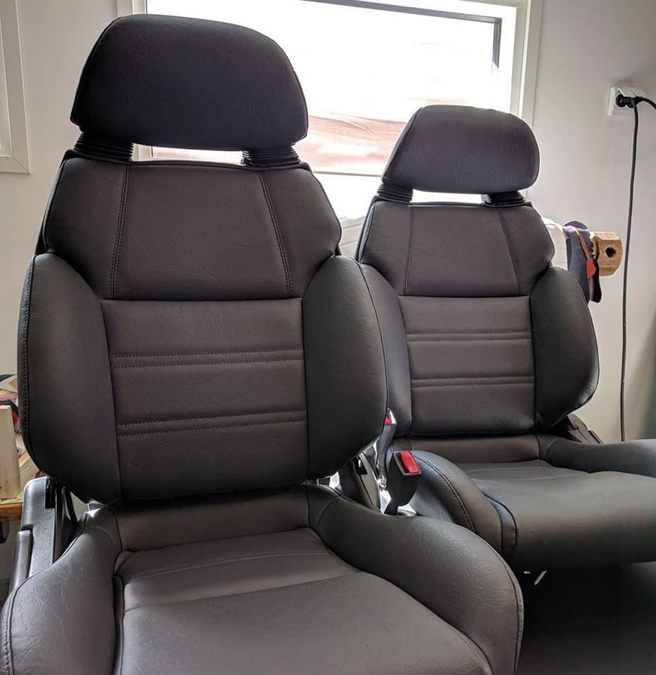 ST185 Carlos Sainz Front Seats 30261910