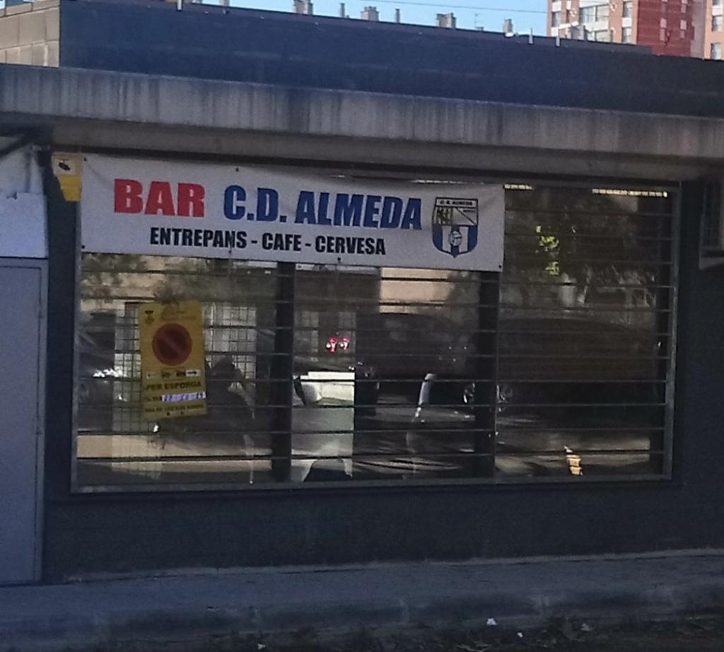 LOS BARES Y LOS CAMPOS DE FUTBOL BASE Bar_al10