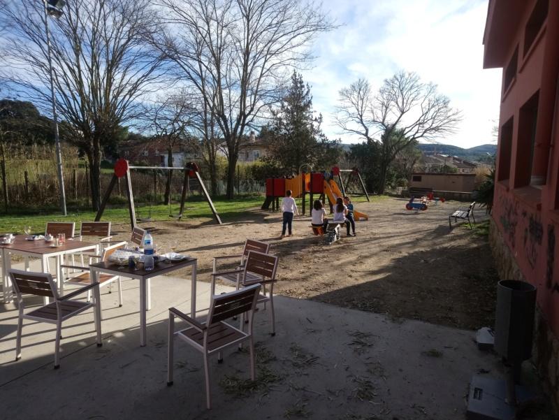 LOS BARES Y LOS CAMPOS DE FUTBOL BASE Barbeg15