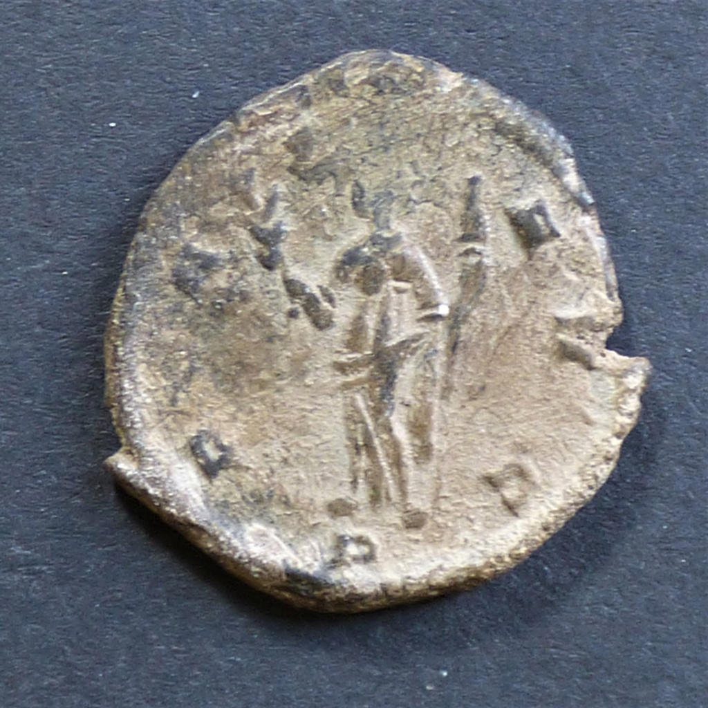 Antoniniano de Claudio II. PAX AVG. Milán  P1030816