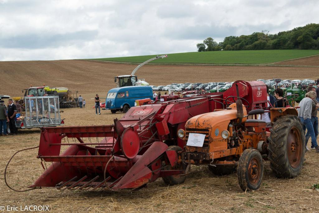 Les tracteurs RENAULT manifestent en photo... 2017_016