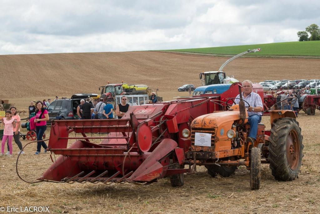 Les tracteurs RENAULT manifestent en photo... 2017_019