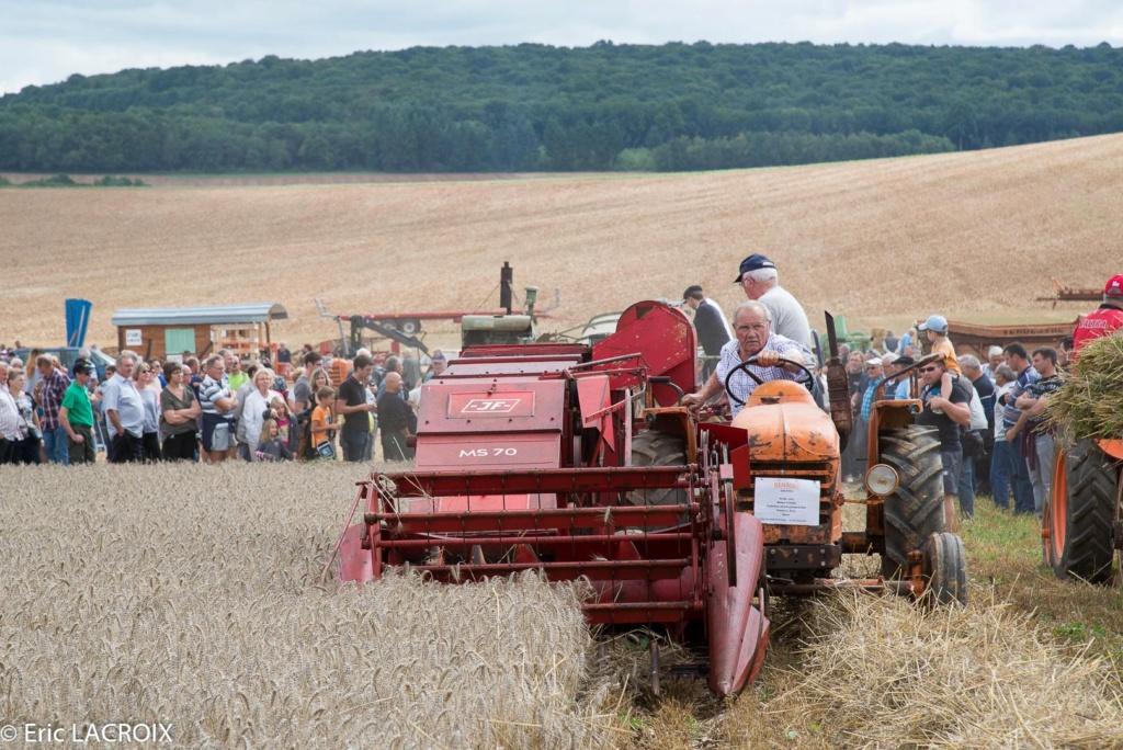 Les tracteurs RENAULT manifestent en photo... 2017_020
