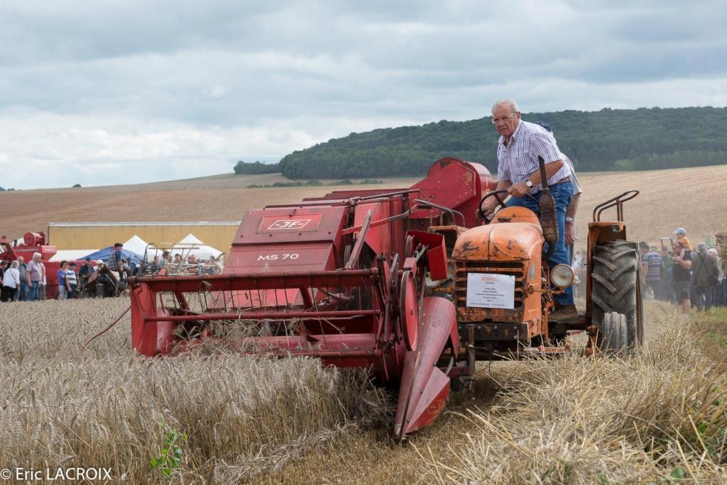 Les tracteurs RENAULT manifestent en photo... 2017_022