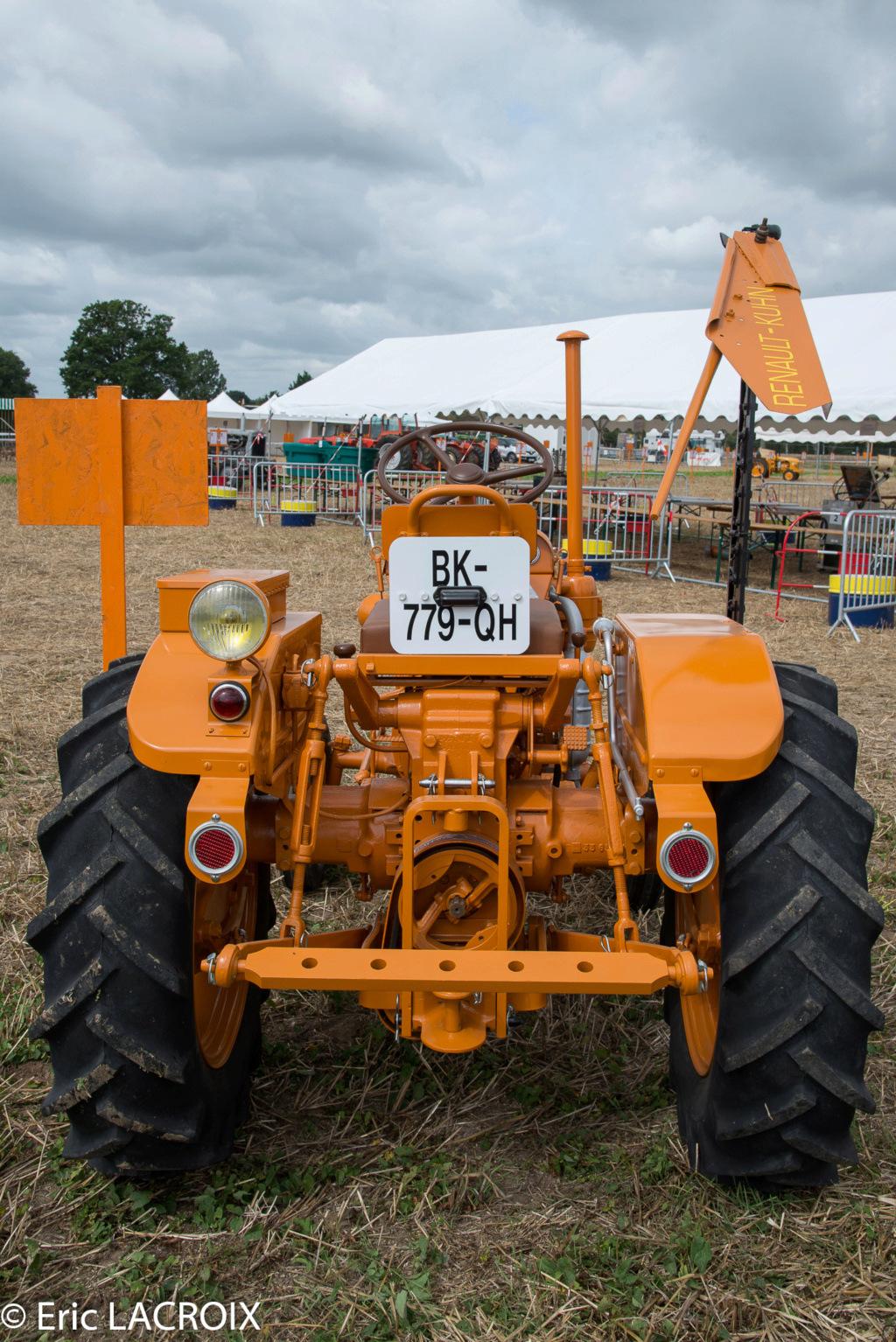 Les 100 ans du tracteur RENAULT en photo... - Page 2 2018_041