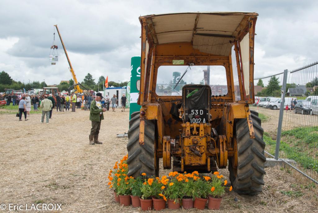 Les 100 ans du tracteur RENAULT en photo... - Page 18 2018_408