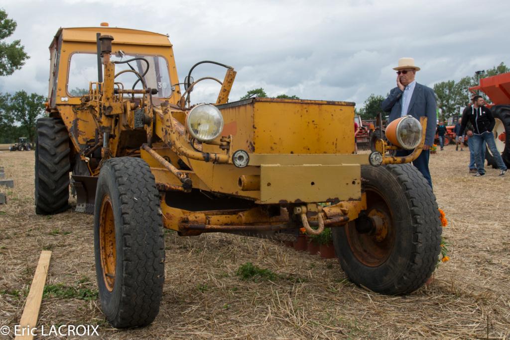 Les 100 ans du tracteur RENAULT en photo... - Page 18 2018_410
