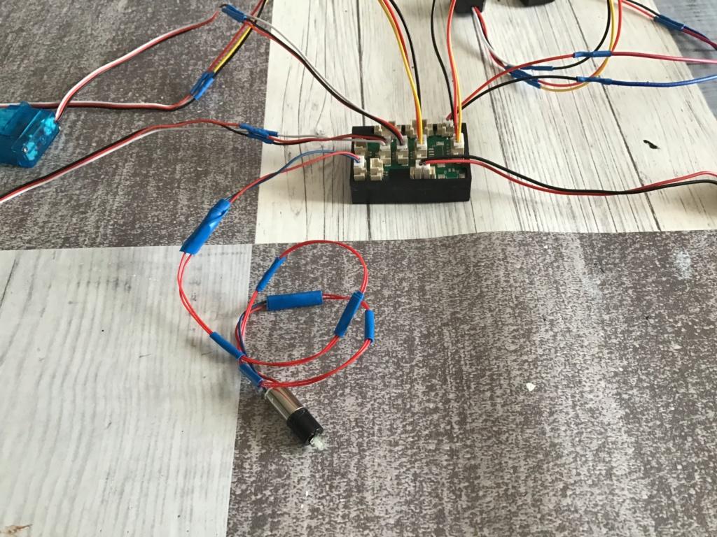 Montage et installation d'un «kit sons et lumières» (MTM) sur mon New Jersey C7ba2b10