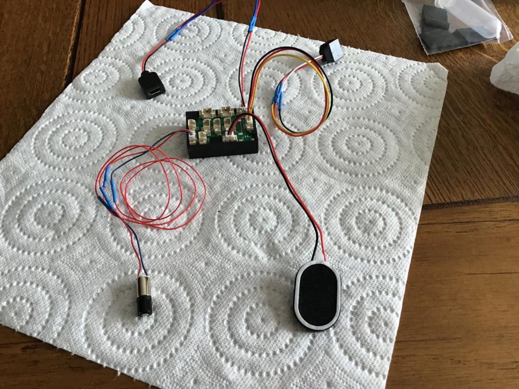 Montage et installation d'un «kit sons et lumières» (MTM) sur mon New Jersey Cb71e910