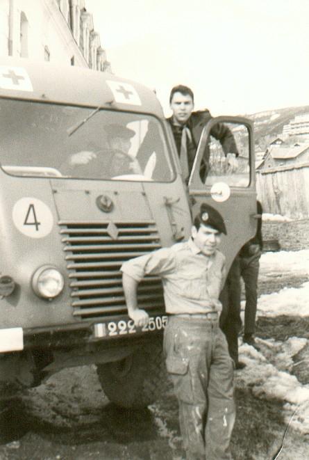 Jeep M201 Sanitaire au 159è R.I.A. 2087sa10