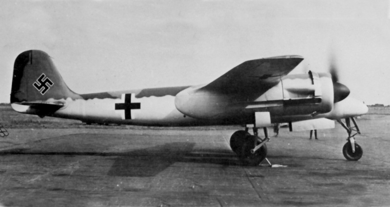 Revell-Monogram Focke-Wulf TA154A-0 Moskito Ta154v10