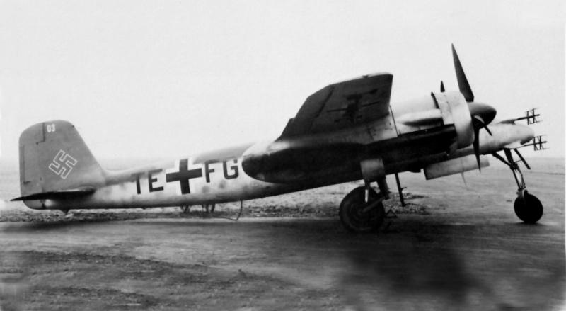 Revell-Monogram Focke-Wulf TA154A-0 Moskito Ta154v11
