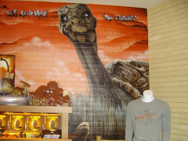 Boutiques de l'entrée principale : Comptoir de la Vienne, Spatium Bazaar, H2O, Boutique Futuroscope Imgp0923