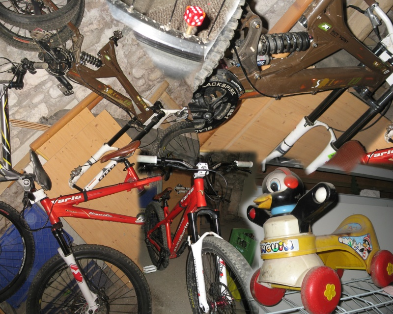 Photos de vos bikes,c'est ici! - Page 2 Bikes10