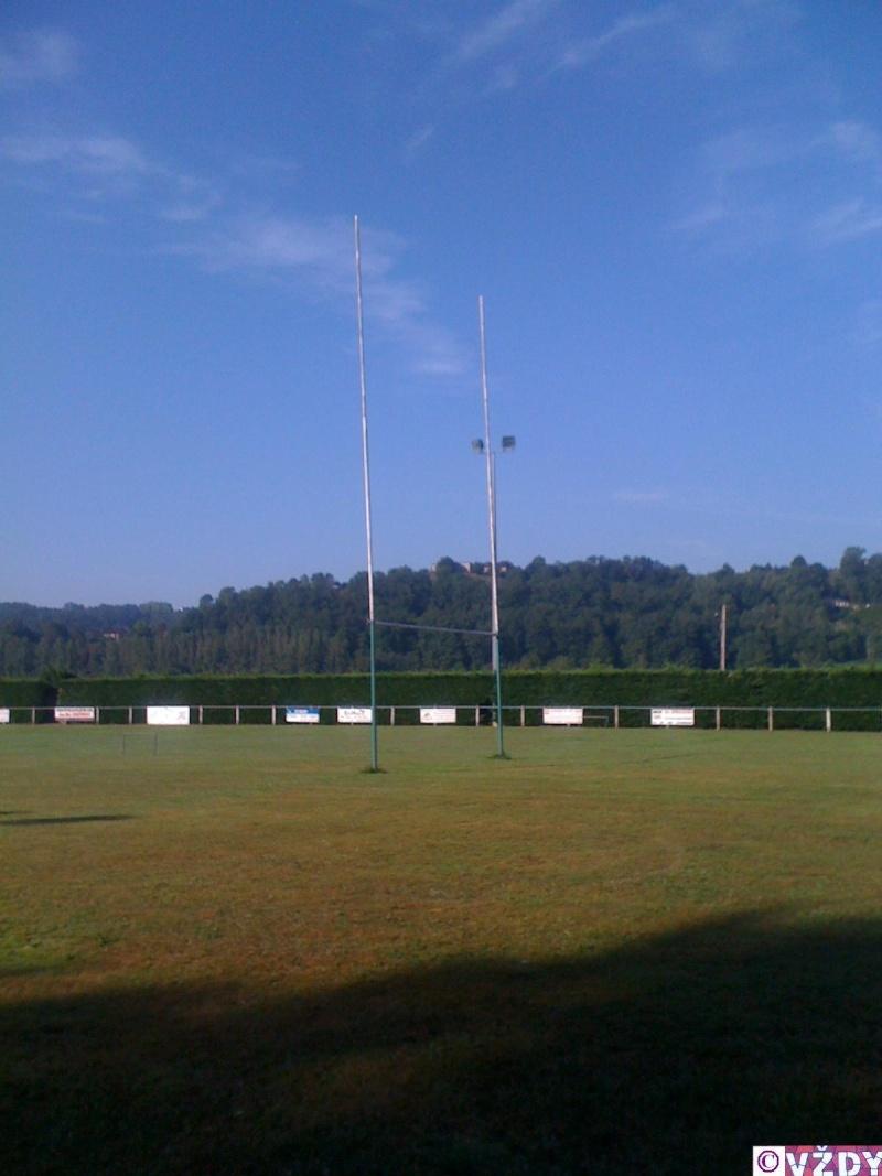 Les stades de rugby, villes de D à P - Page 2 Img_1110