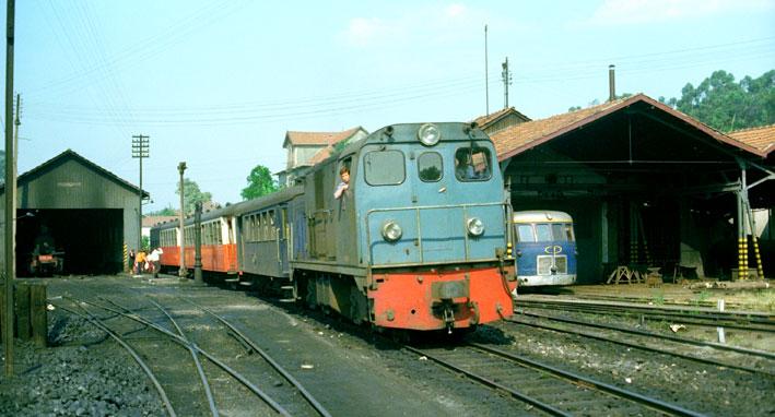 Locomotores diesel Alsthom de FFCC Catalans en IIm (FFCC de la Terrassa) 23089410