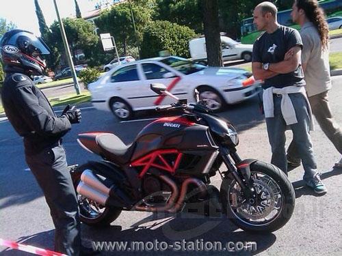 Ducati Diavel Ducati10