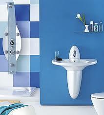Salle de bains, pont de bateau 00128