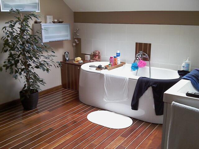 Salle de bains, pont de bateau